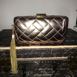 💜GORGEOUS Rose Gold Quilted Clutch with Tassel💜